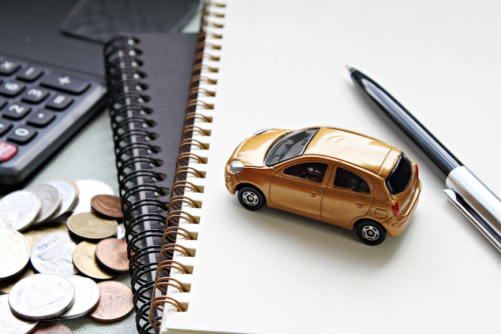 weighing the pros and cons of refinancing a car